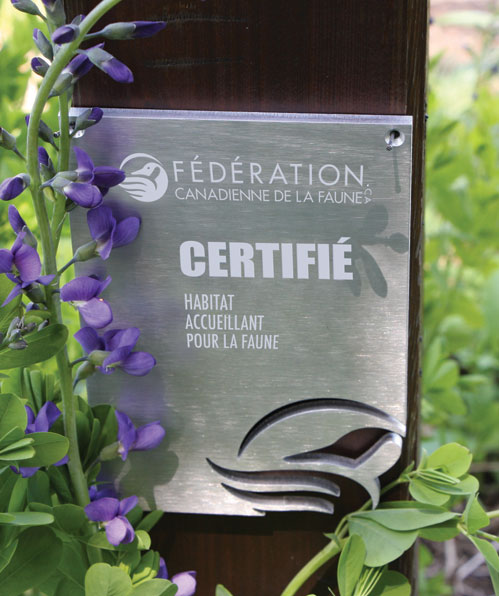 CWF Certified Garden sign in French