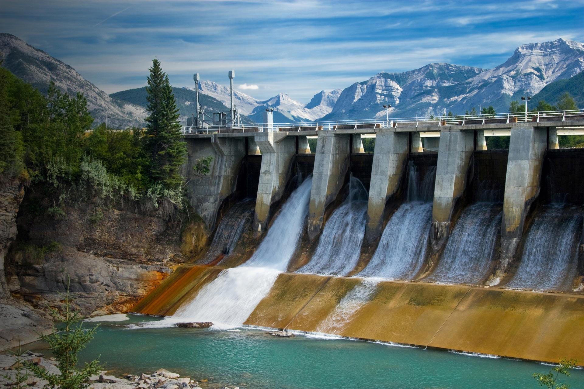 https://cwf-fcf.org/assets/images/dam-river-mountains-177332436.jpg
