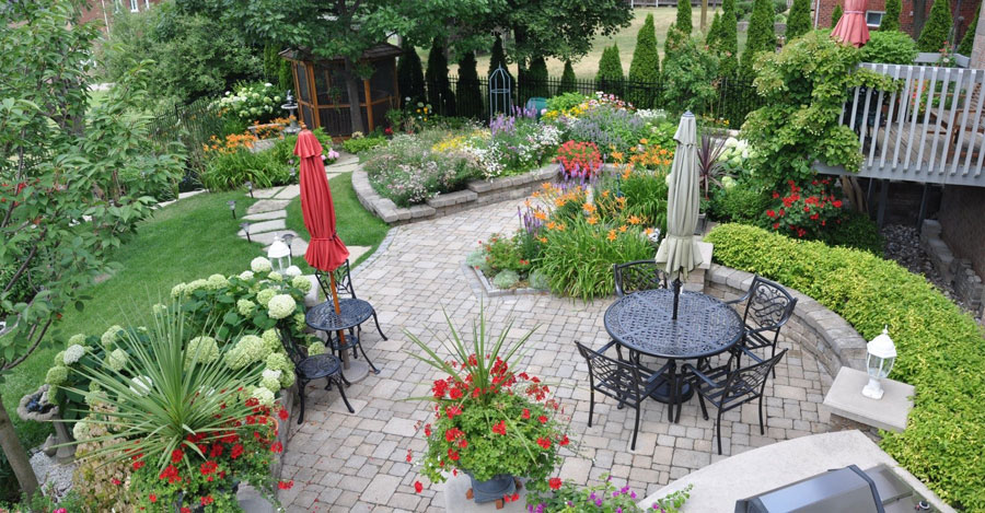 Backyard ideas canada landscape designer alabaster al for Medium back garden designs